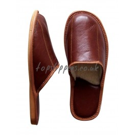 http://topslippers.co.uk/124-thickbox_default/sheepskin-slippes-mules-men-522j.jpg