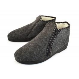 http://topslippers.co.uk/340-thickbox_default/sheepskin-felt-zipped-slippes-boots-532f.jpg